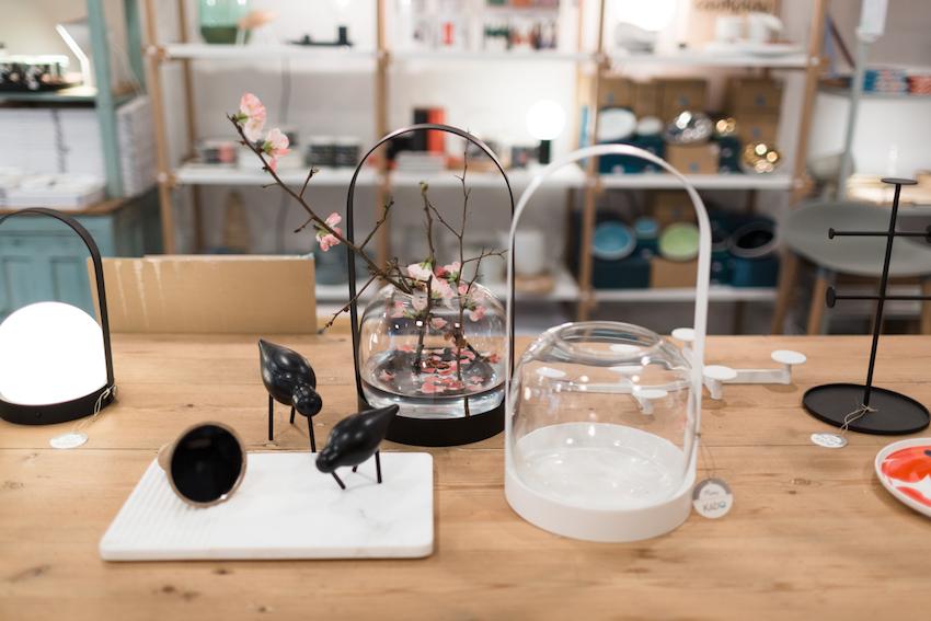 Objetos de estilo japonés en la tienda de decoración Kado